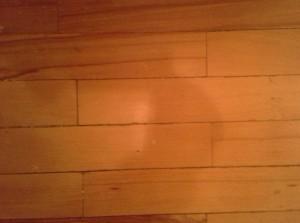 Отделка деревянных полов: краска, лак, воск