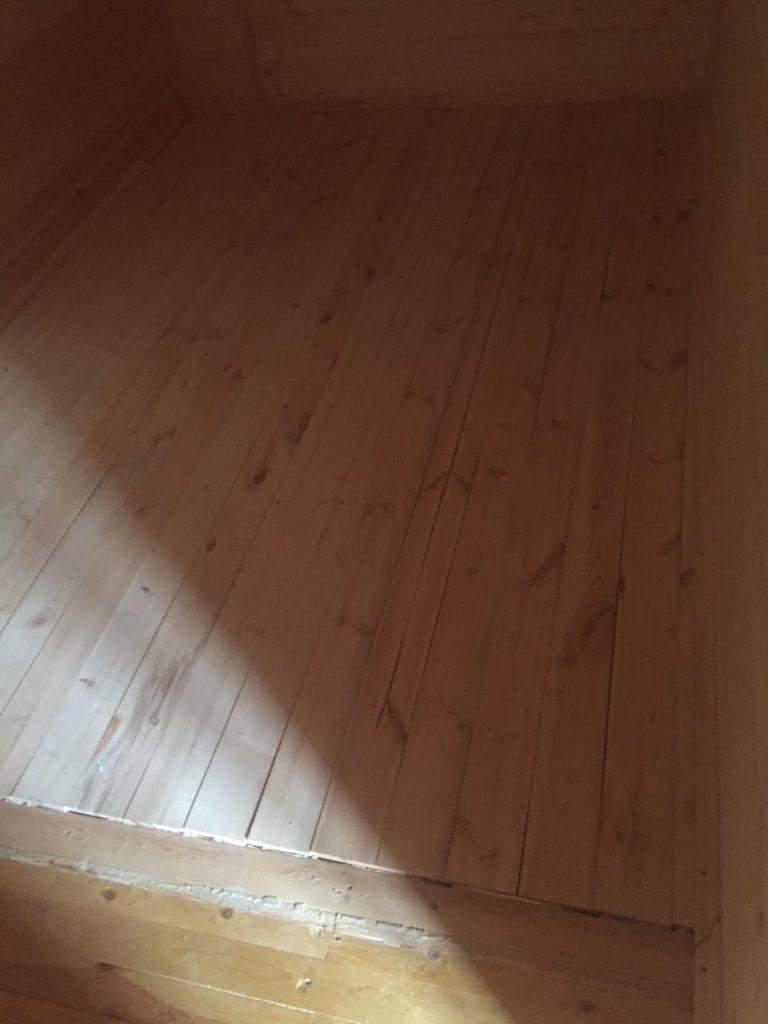 шлифовка дачного деревянного пола